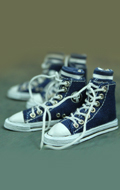 Female Blue Converse canvas with socks