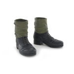Combat boots with gaiters