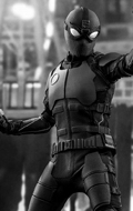 Spider-Man : Far From Home - Spider-Man Stealth Suit (Deluxe Version)