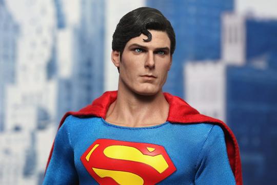 Échelle 1//6 vol Mains 1978 Superman Figure by Hot Toys Christopher Reeve